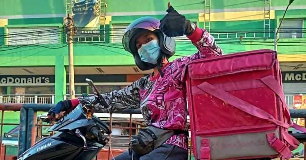 """May-ari ng eatery na may """"not for Food Panda riders"""" na sign sa water dispenser, nagbigay na ng pahayag"""