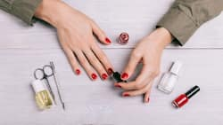 DIY manicure easy steps you can do at home during quarantine