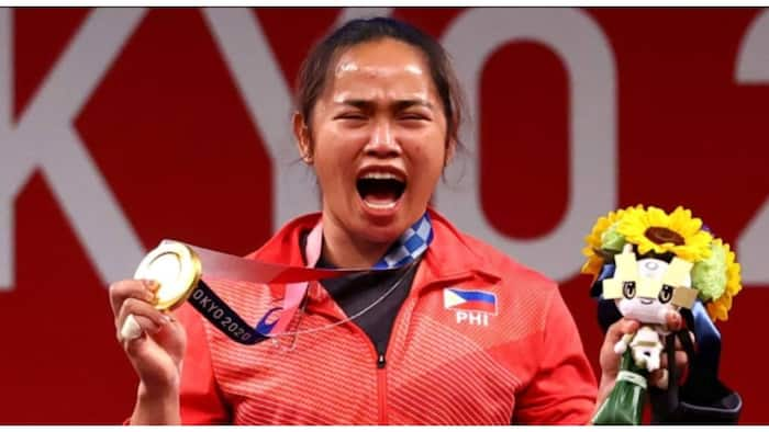 Hidilyn Diaz, to receive ₱33 million for winning PH's first Olympic gold