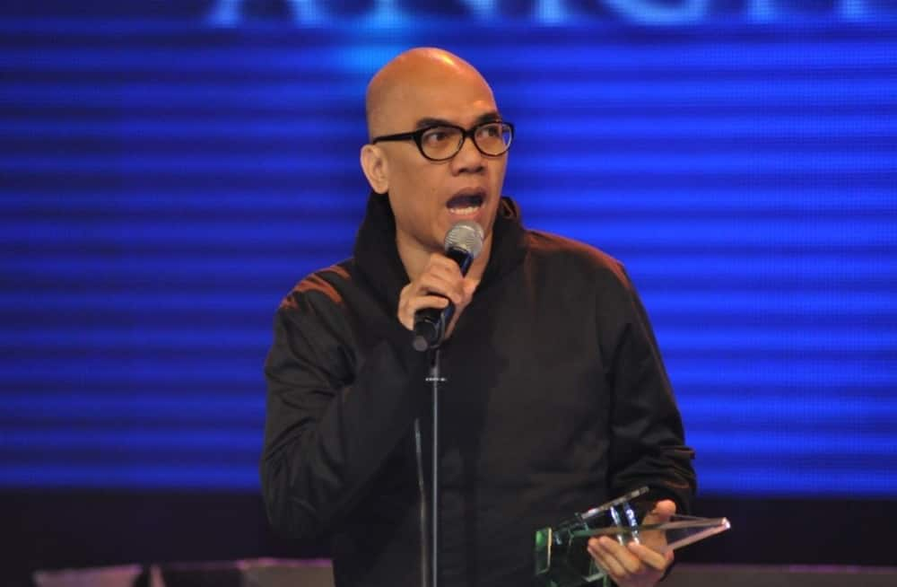Boy Abunda addresses trending issue about 'real' gender identity of Piolo Pascual