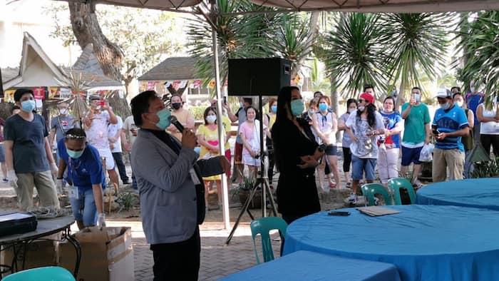 Mocha Uson meets a crowd of over 300 OFWs under quarantine amid COVID-19 crisis