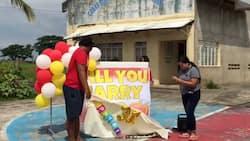 Video ni Ate na lumuhod, nag-propose sa nobyo ng 8 years, viral na