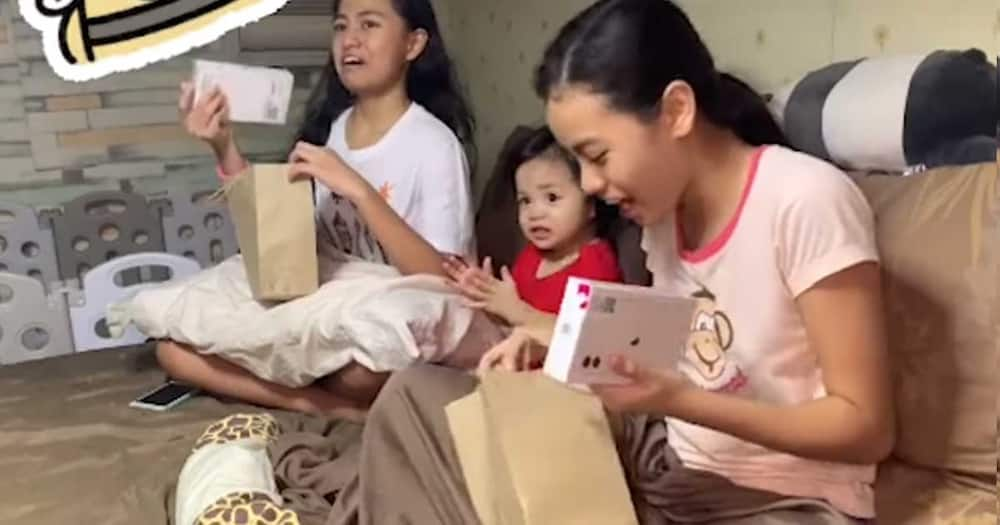 Video of priceless reaction of two girls when they received iPhones on Christmas, viral