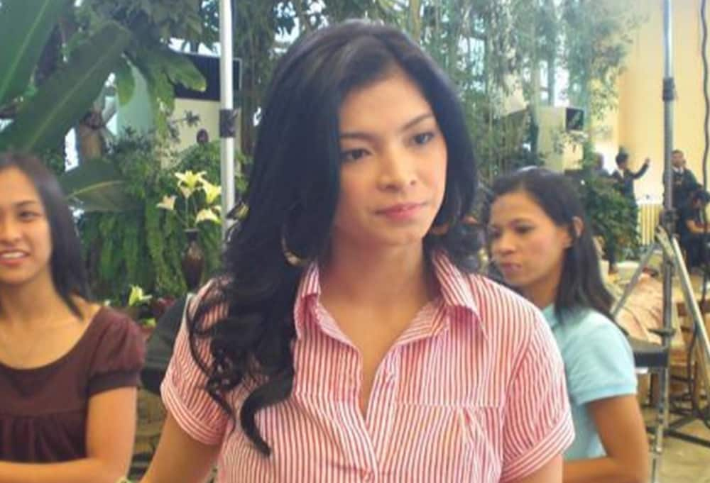 Angel Locsin sends message to medical frontliners amid their plea to the gov't