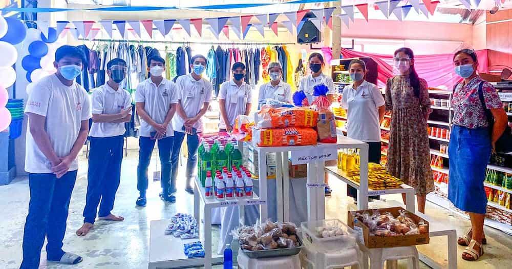 "Tindahan sa Las Piñas, nag-viral dahil sa mga paninda nitong libre: ""Get everything here for free!"""