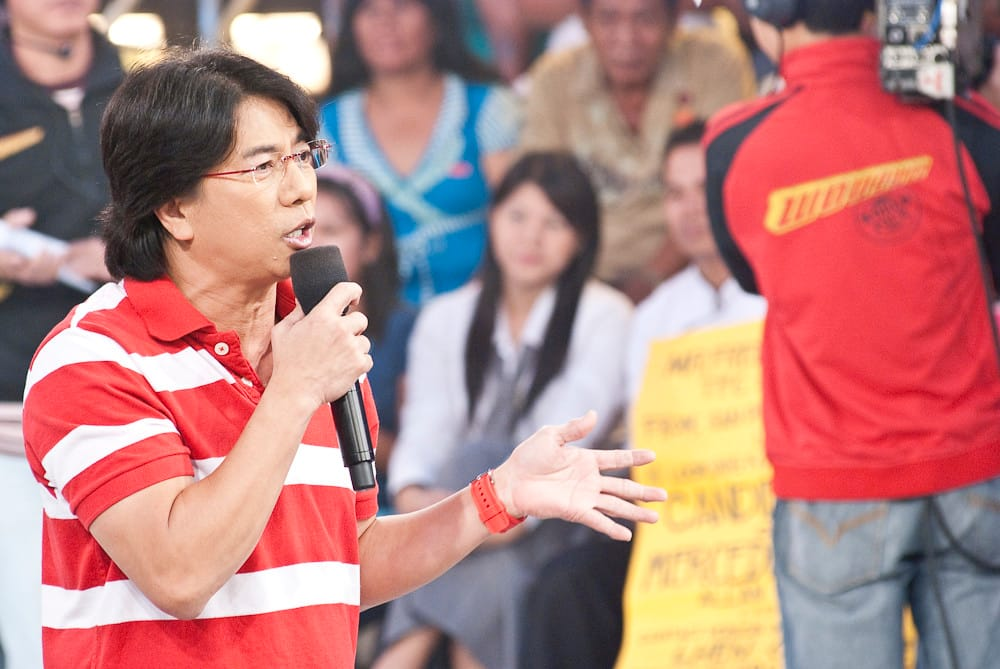 Willie Revillame personally distributes P5 million donation to jeepney drivers