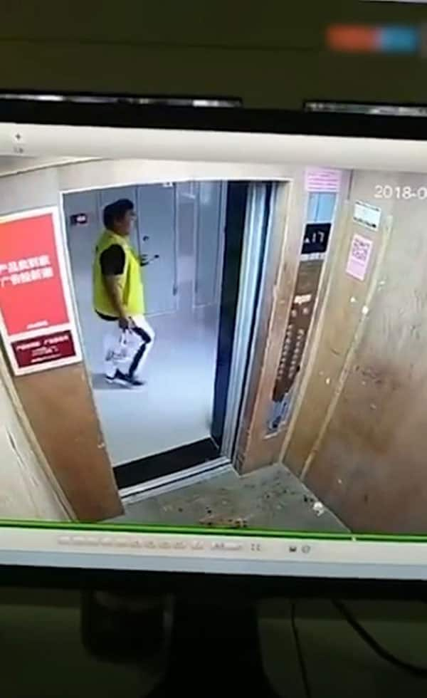 Tinikman muna! Delivery boy secretly eats food in elevator before delivering it to waiting customers
