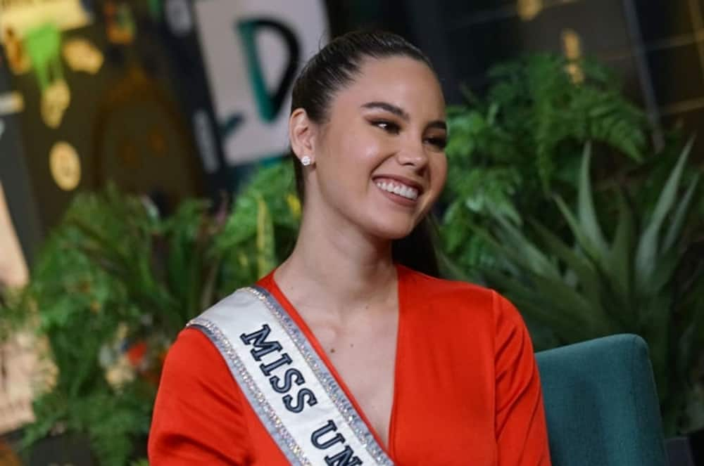 Catriona Gray stuns netizens after wearing a traditional outfit popular in the 1700s