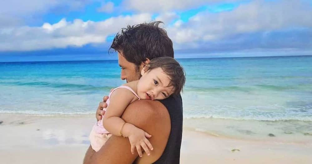 """Nico Bolzico, guides Thylane as she begins taking her baby steps: """"#ElPadre always here for you my love!"""""""