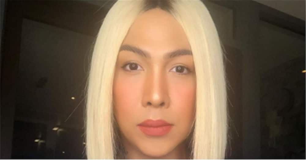 Vice Ganda tries to serve as service crew in a fast food chain; video goes viral