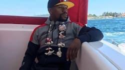 Floyd Mayweather Jr. enjoys his vacation in Boracay
