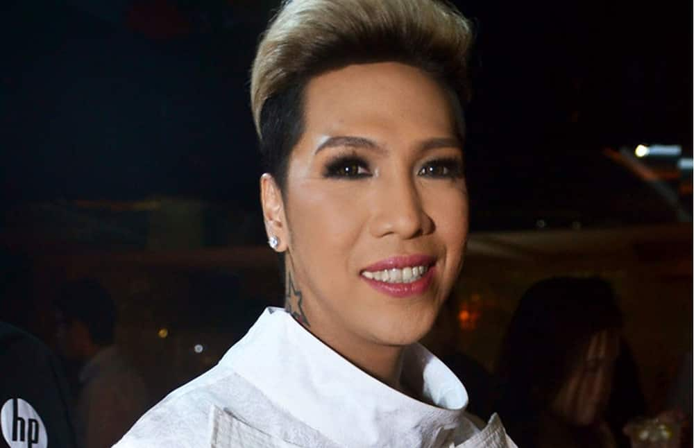 Vice Ganda mentions Billy Crawford while looking for comments with '#SolidShowtimerAko'