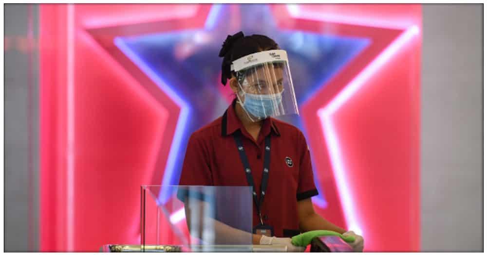Atty. Larry Gadon, hindi naniniwalang kailangang magsuot ng mask pag nasa labas