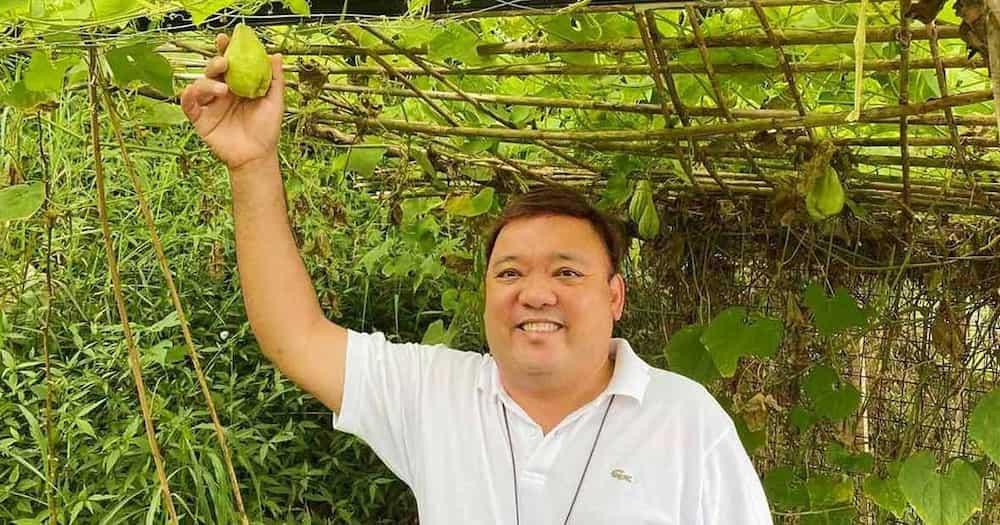 Pres. Duterte, kumambiyo sa hamon niyang debate kay dating SC AJ Carpio; inatasan si Roque na makipag-debate