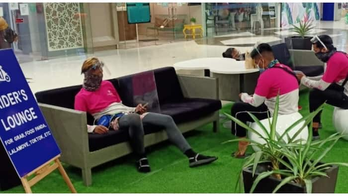 Delivery riders, ibinida ang 'Rider's lounge' sa loob ng isang mall sa Las Piñas