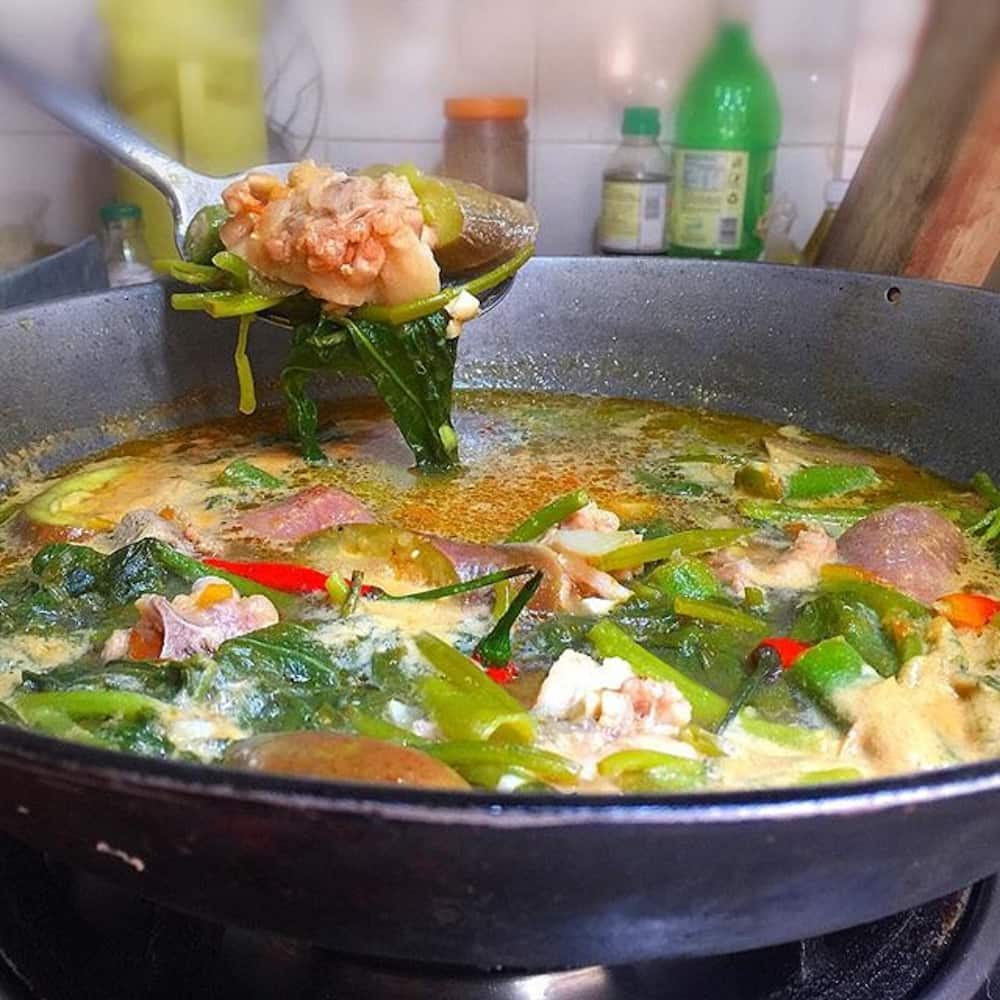 How to cook Sinigang na Baboy with Gabi recipe
