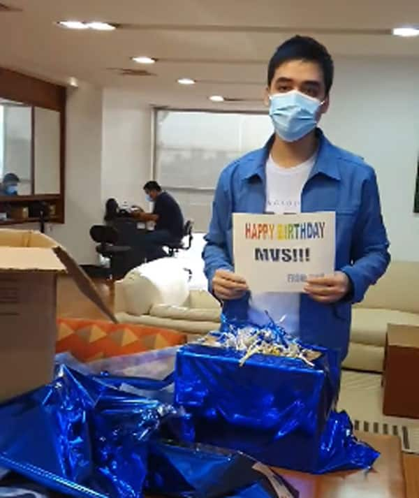 Video of Mayor Vico Sotto opening his birthday gift from his staff goes viral