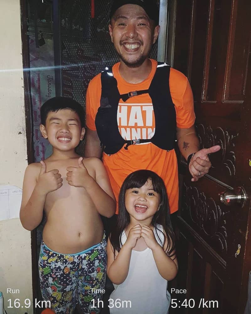 Father runs 16km from Pasay to Malabon to avoid traffic, just to get home early and spend time with his kids
