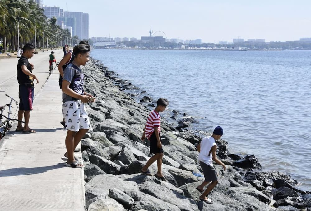 DepEd says fund for Manila Bay's white sand could have been used for distance learning