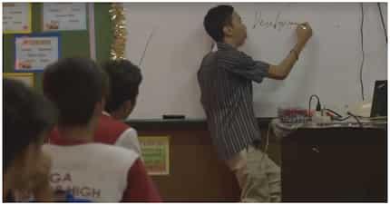 PWD teacher, hindi lang leksyon sa eskwela ang naibabahagi sa mga estudyante