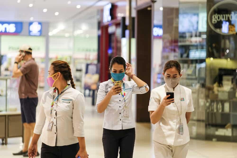 Doble ingat! W.H.O now acknowledges that coronavirus disease is airborne indoors