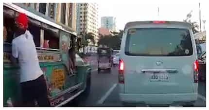 Netizens, nagulat sa bilis ng paghablot ng snatcher ng cellphone sa labas ng jeep