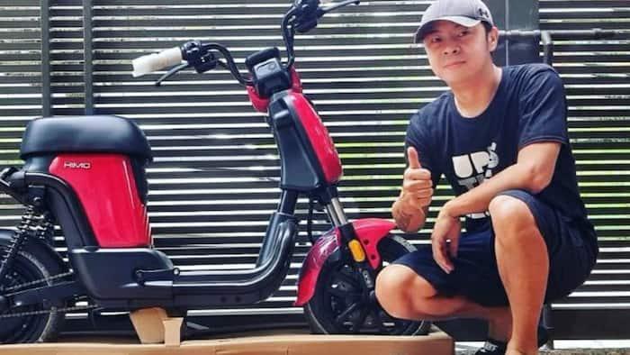 Neri Miranda, niregaluhan ng electric bike si Chito Miranda para sa Father's Day
