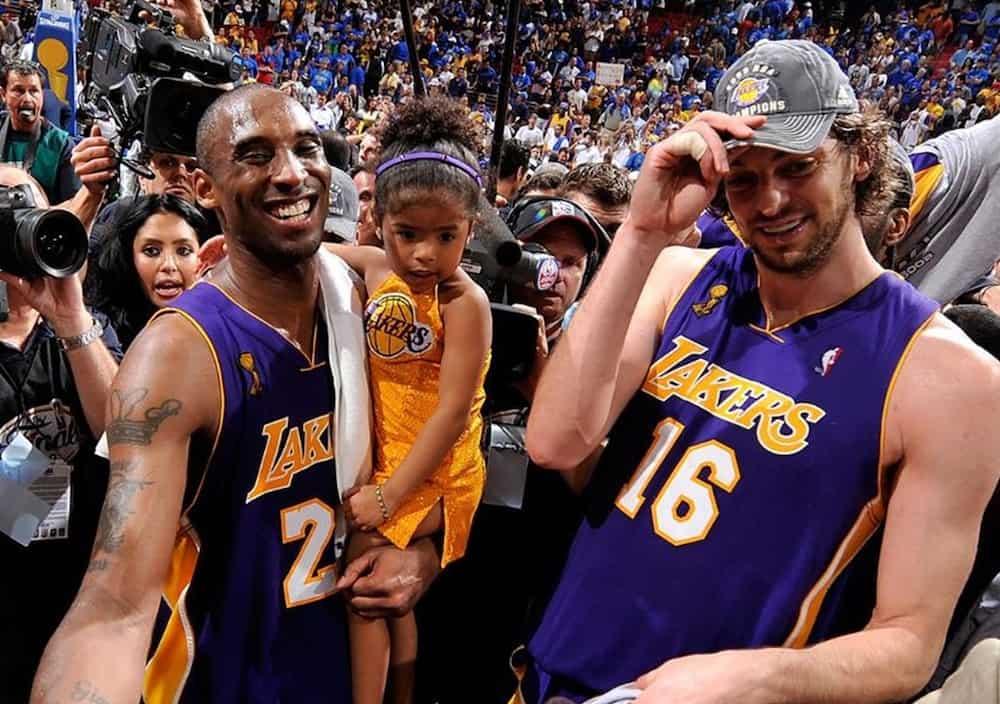 NBA star Pau Gasol visits Kobe Bryant's daughters; their photos go viral