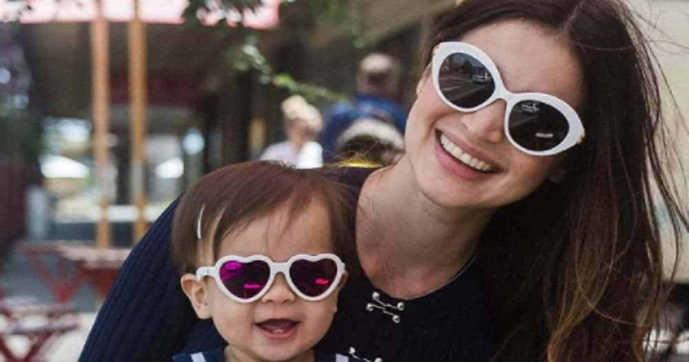 Video of Baby Dahlia walking towards her Mommy Anne Curtis goes viral