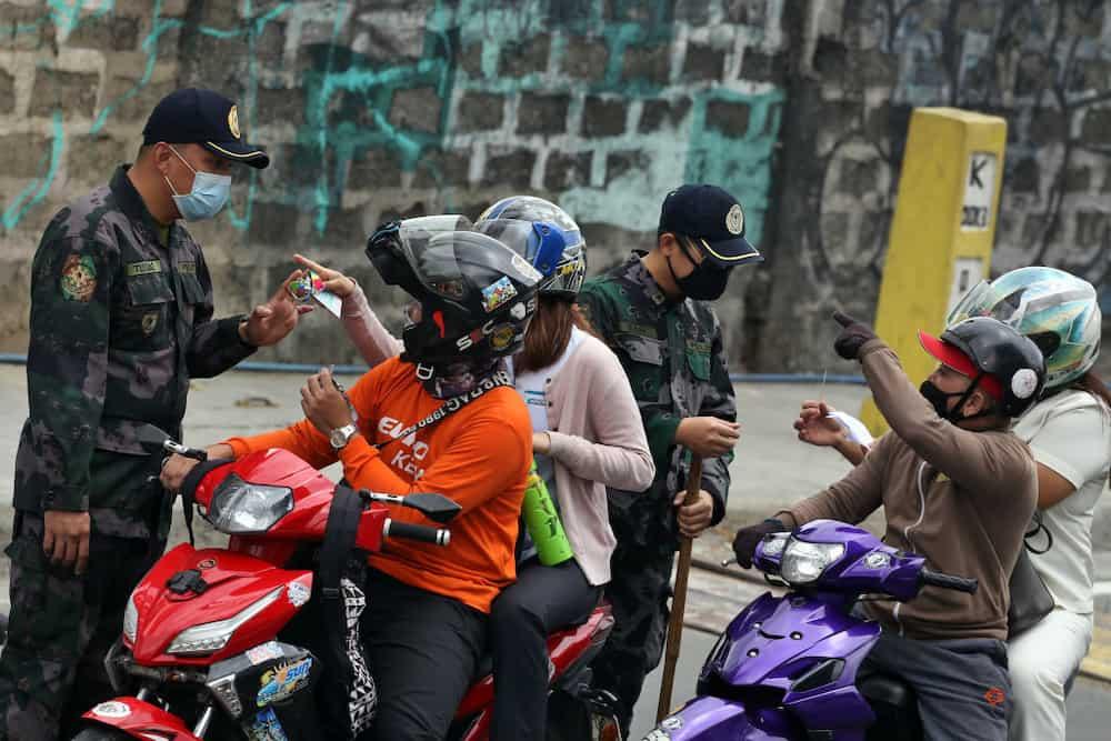 Sumunod naman daw! Babae, sugatan dahil sa barrier na kailangang ilagay sa motorsiklo
