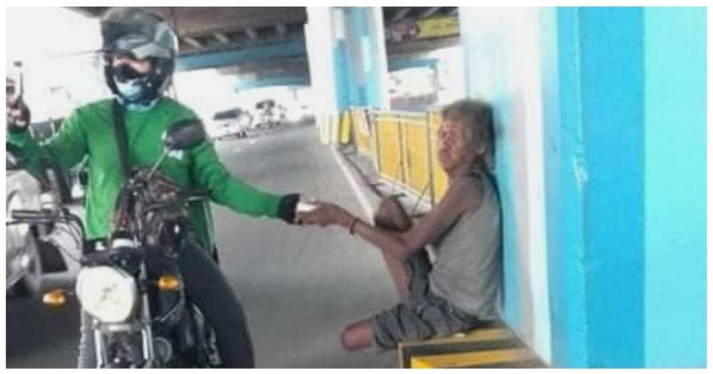 Food delivery rider, 'di makapaniwala sa kabaitan ng customer na nagpamigay ng mga pagkain