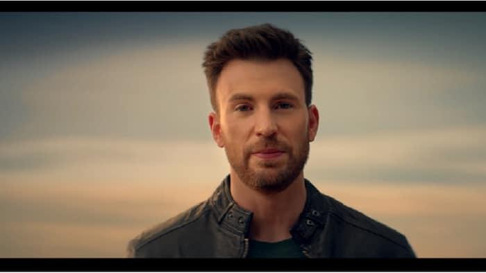 'Captain America' star Chris Evans is PH telco Smart's newest endorser