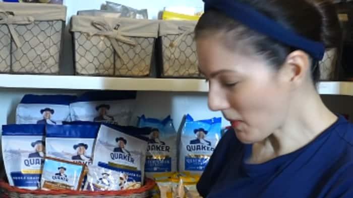 Carmina Villarroel shows how she maintains her pantry organized