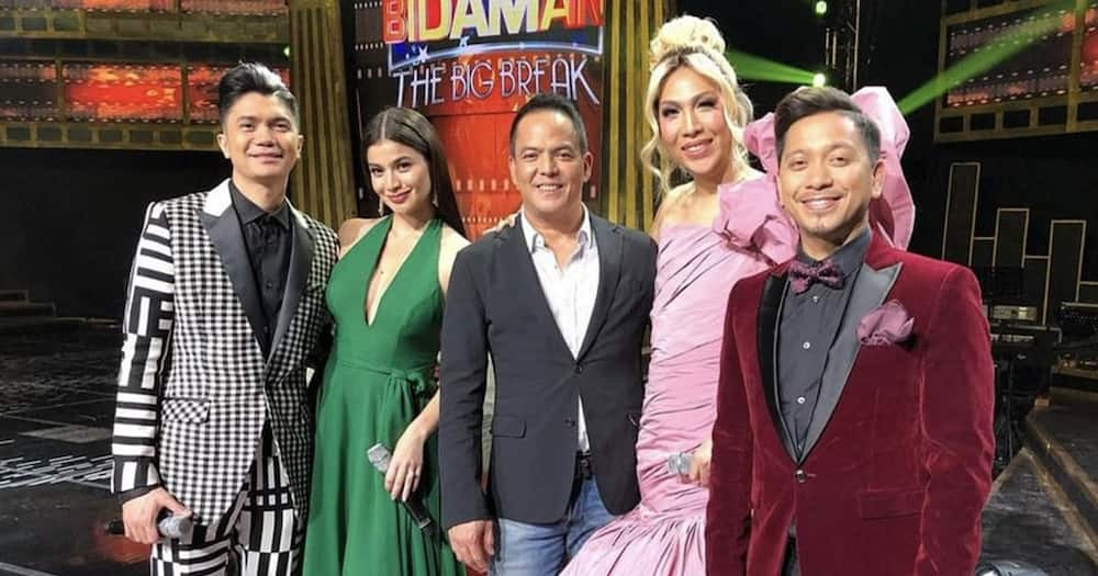Direk Bobet Vidanes, emosyonal, miss na raw ang kanyang 'It's Showtime' family