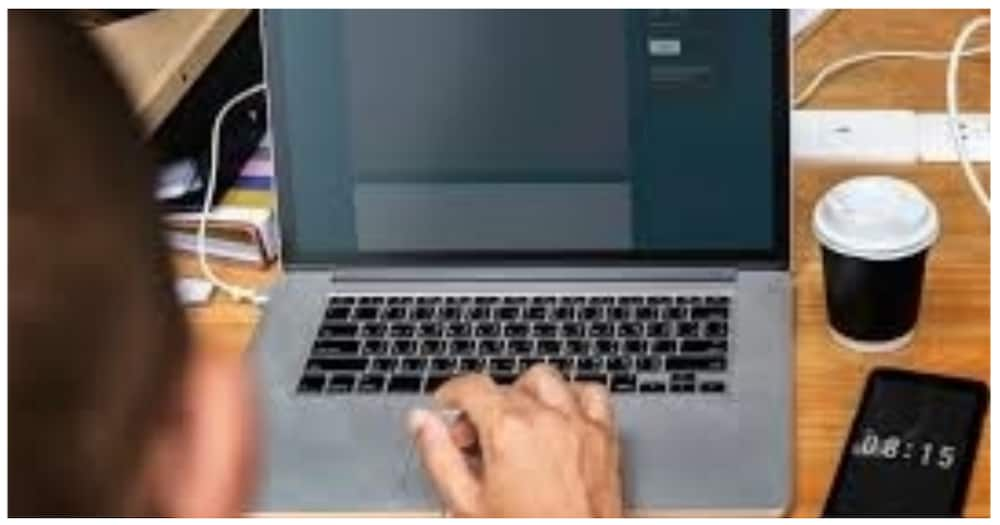 College student na mga bato ang laman ng inorder na laptop, nabigyan na ng bago