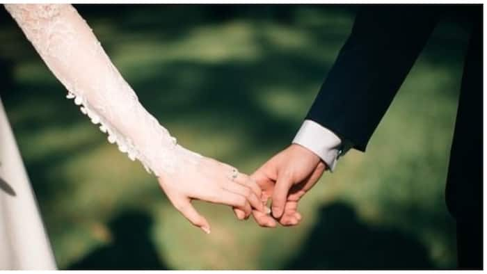 Bride na pumanaw habang ikinakasal, pinalitan ng kapatid na siyang pinakasalan ng groom