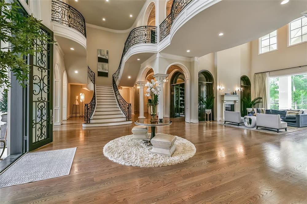 Ang bongga! Ang yayamaning mansion ng Houston Rockets player na si Chris Paul