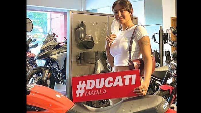 Nadine Lustre, viral dahil sa photos niya habang bumibili ng mamahaling Ducati motor