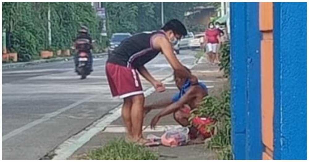 Mag-asawang binihisan at pinakain ang isang lalaking palaboy, hinangaan ng marami