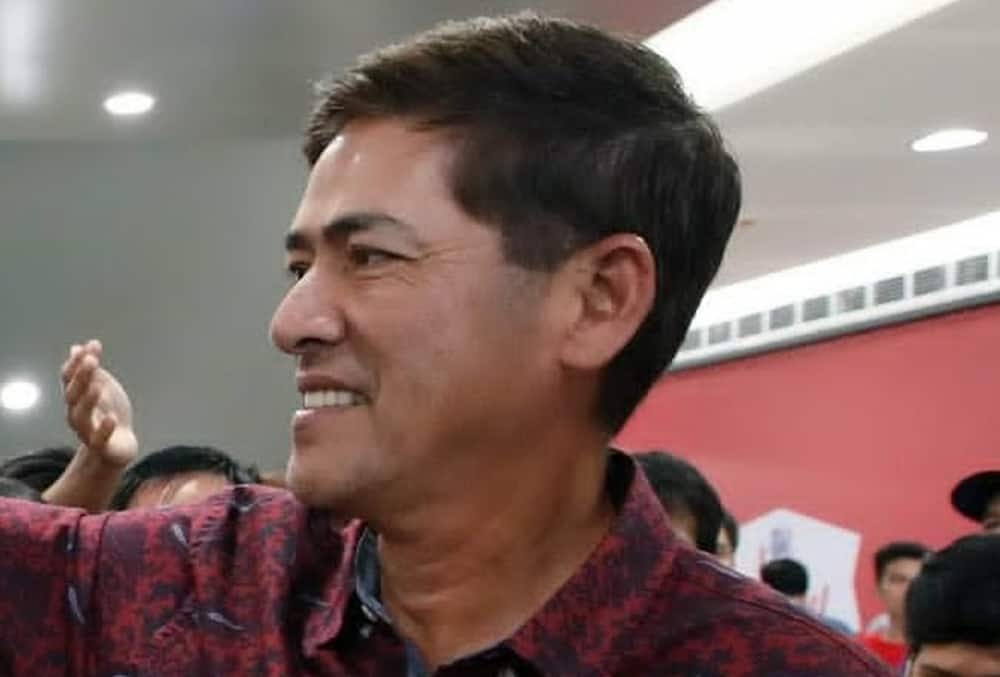 Vic Sotto makes fun of 'Eat Bulaga' question about age gap