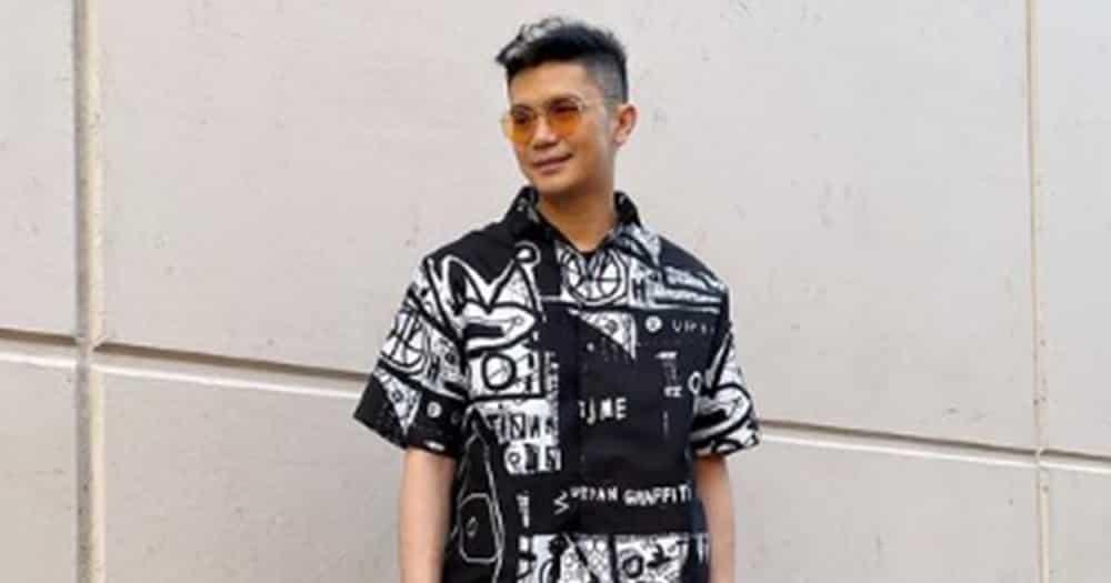 Vhong Navarro, emosyonal at naiyak sa muling pagkikita ng mag-ina sa show