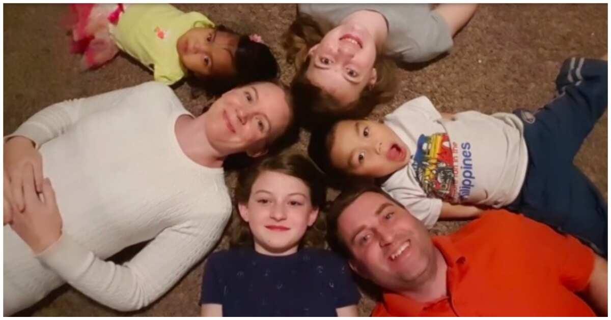 Salamat po! American family, umampon ng batang Pinoy na walang mga paa at kamay