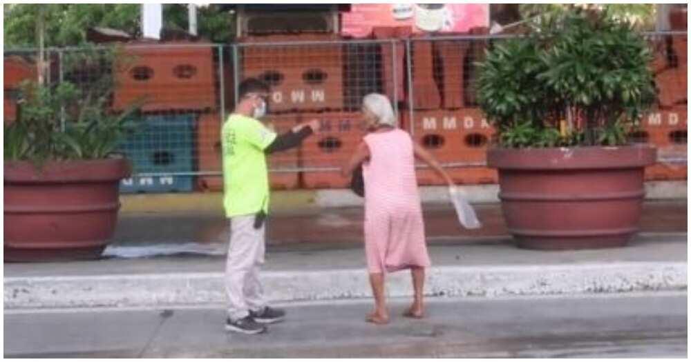 Lolang walang face mask at pagala-gala sa EDSA, pahirapang kinausap