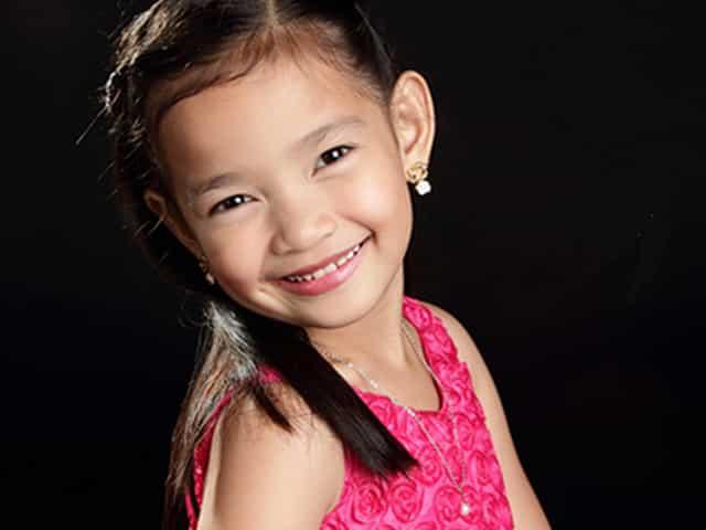 Dalaga na! Award-winning child star Xyriel Manabat wows netizens with grad photo