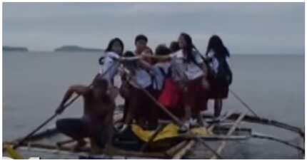 Ilang estudyante mula sa Marinduque, nagbabangka para makapasok