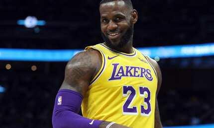 Lakers defeat Heat as Lebron James sets a season-high record