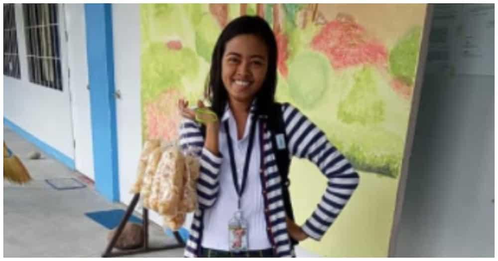Estudyanteng iginapang ang pag-aaral sa paglalako ng chicharon, college graduate na