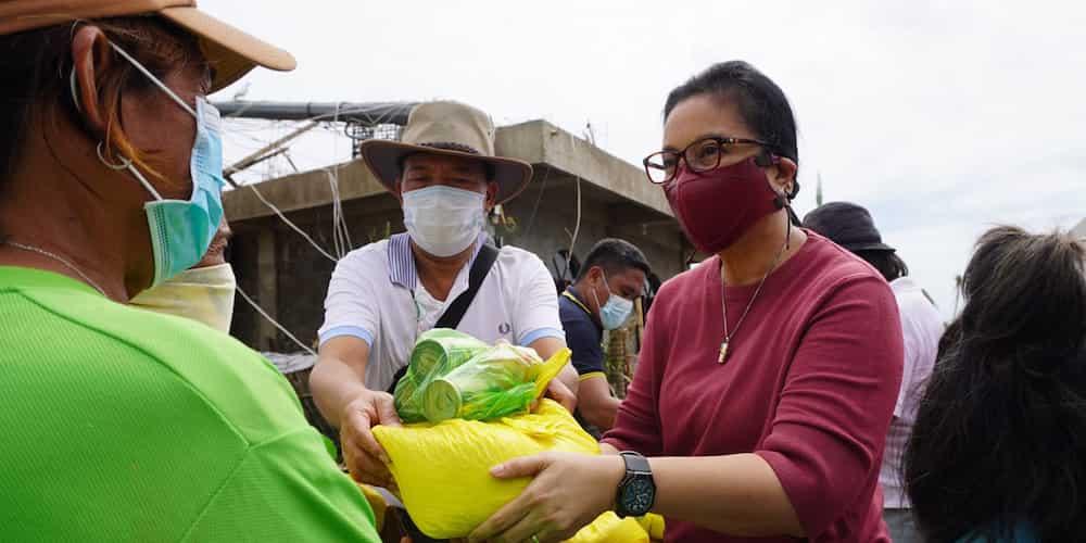 VP Leni Robredo makes ground-checks in communities hard-hit by typhoon Rolly
