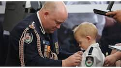 Anak ng bumberong nasawi sa Australia bushfire, tinanggap ang parangal para sa ama
