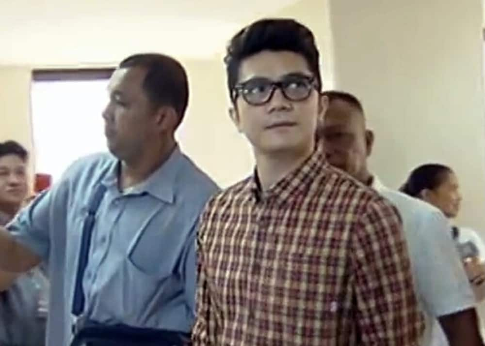 Vhong Navarro gets emotional during the recent episode of 'It's Showtime'